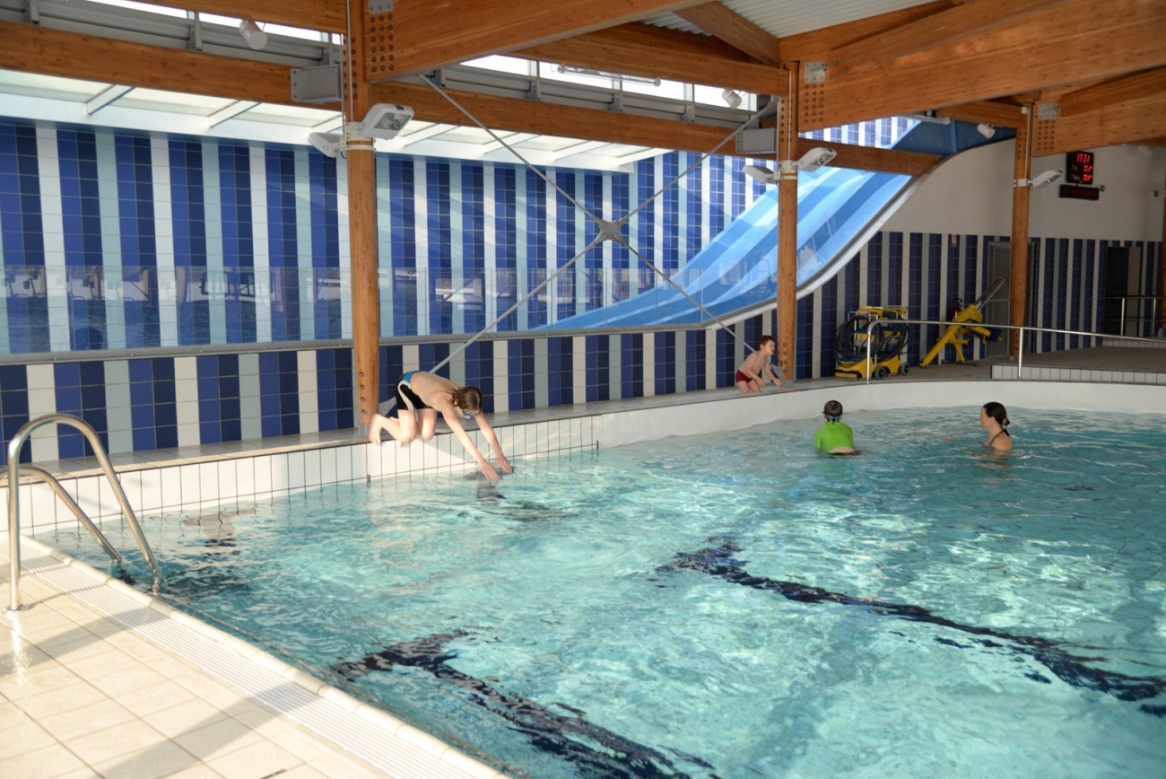 Bourgueil rouleau architectes centre aquatique bulle d - Piscine chambray les tours ...