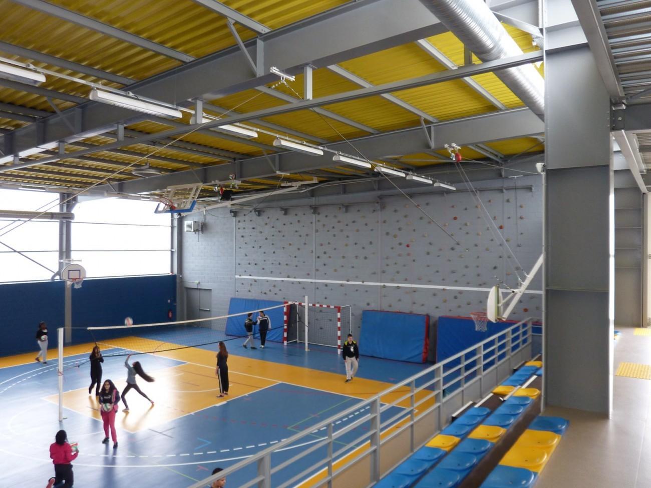 bourgueil rouleau architectes gymnase du grand clos salle de gymnastique femina. Black Bedroom Furniture Sets. Home Design Ideas