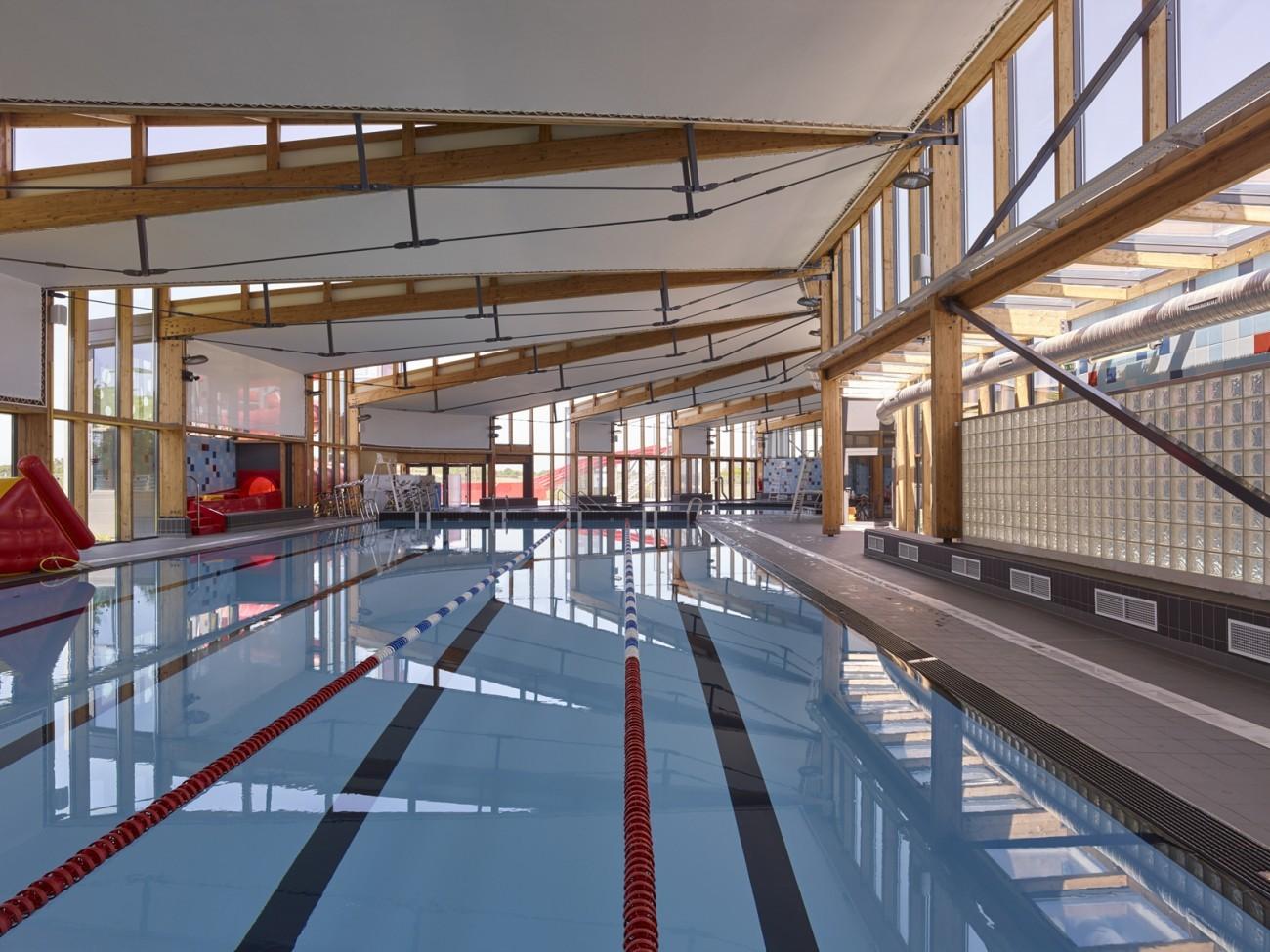 bourgueil rouleau architectes centre aquatique couz 39 o beaucouz beaucouz 49. Black Bedroom Furniture Sets. Home Design Ideas
