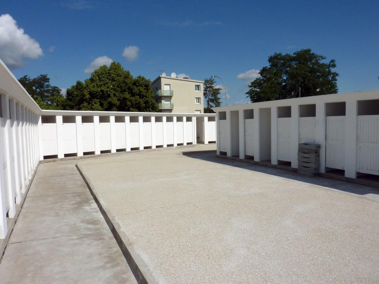 Bourgueil rouleau architectes r novation de la piscine for Architecte montargis