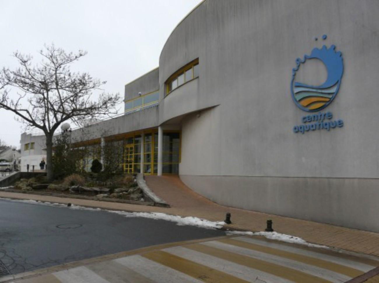 Bourgueil rouleau architectes piscine des corbolottes for College jean de la mennais piscine